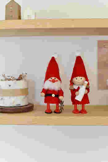 可愛いサンタさんと女の子の人形は、ドイツのブランド「Nordika Design(ノルディカデザイン)」のニッセドール。ちょっぴりユーモラスで優しい表情に、見ているだけでほっこり癒されます。お部屋の棚に飾るだけで、一気にクリスマスモードに早変わり♪