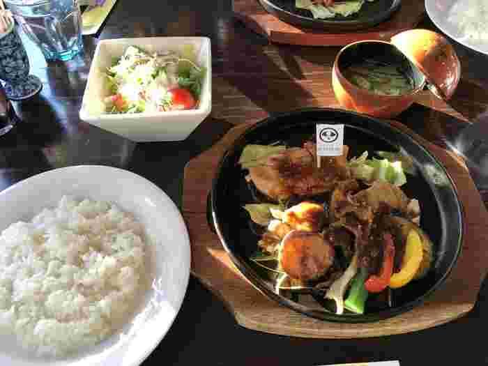 レストラン北蔵はランチ&カフェタイムのみ。秋田県の食材を生かした豪華なランチは、いつもよりちょっと贅沢したいときにぴったりですよ。日替わりランチは毎週メニューが変わるので公式サイトでチェックしてから訪れてくださいね。