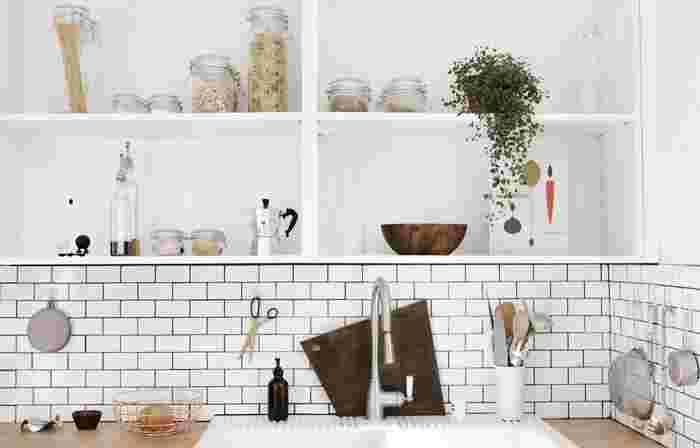 わたしたちが毎日使うキッチン。機能的で使いやすくなるよう自分なりに工夫すれば、日々のお料理が楽しくなるはずですよね。