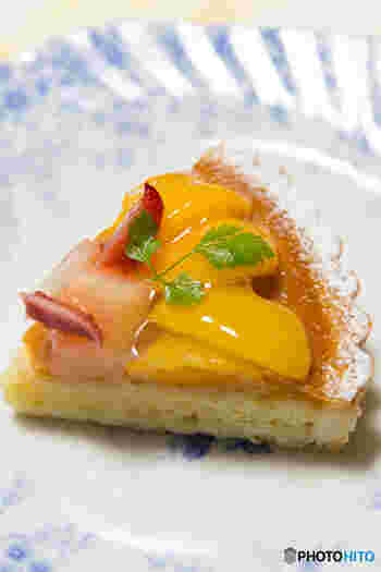 桃を普通に食べるだけじゃもったいない!熟れすぎた桃の消費にも使える桃レシピ、今回の記事を参考に是非お試しくださいね。