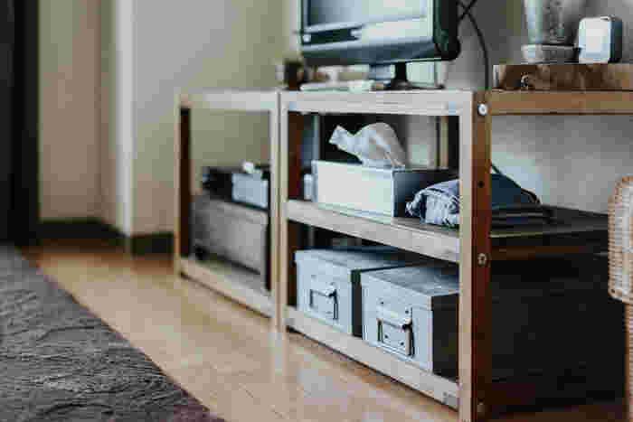 コンパクトな住まいに大仰な家具は不釣り合いなように、持て余すようなモノは持たないことです。モノの大きさだけでなく、持ちきれない、使いきれないほどのモノは持たず、住まいにフィットするモノだけを選びます。