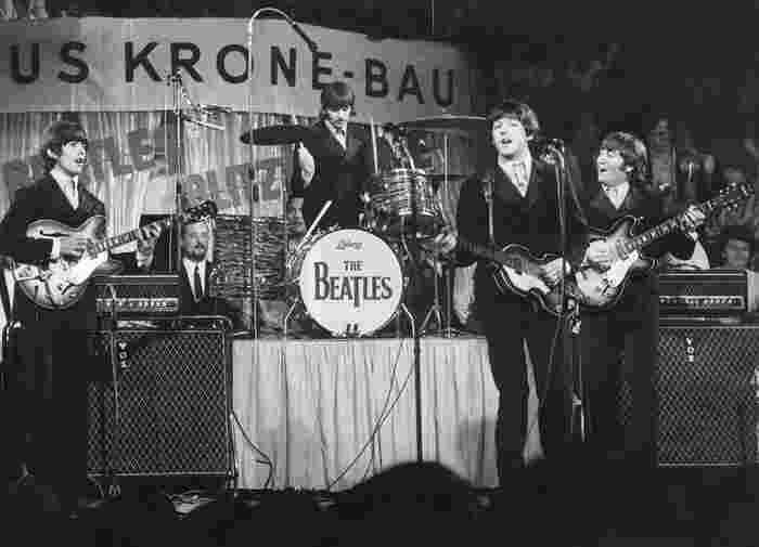 @KEYSTONE AGENCY Beatles on the stage