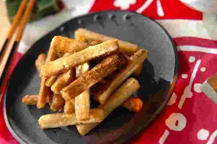 野菜の唐揚げの中でも良く知られているのがゴボウの唐揚げ。サクッとした食感とゴボウのうまみが唐揚げにはぴったりです。