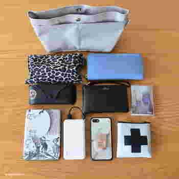 このコンパクトなバッグインバッグの中にこんなにたくさんのものが!バッグの中にバラバラに入れておくよりも、コンパクトに収めることができていますね。