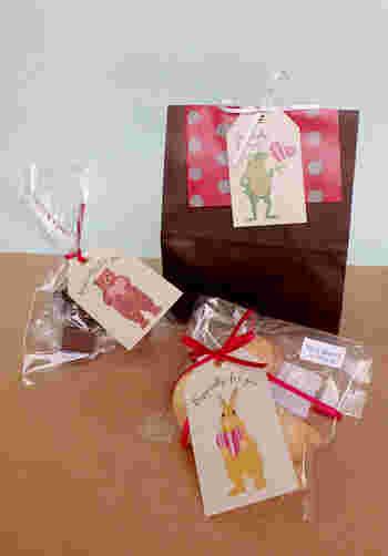 タイにタグを通せばメッセージを一言添えることができます。感謝の気持ちと一緒にプレゼントするときにもいいですね。