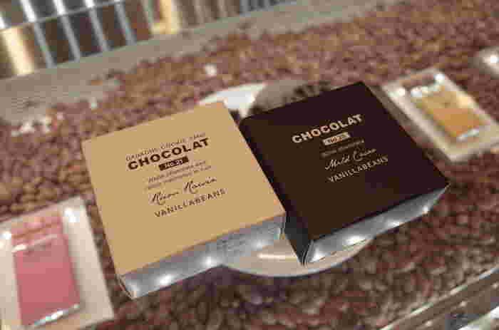 こちらのオススメ土産はチョコレートをサンドした「ショーコラ」。ガナッシュ、ラムレーズン、ハニーレモンなど種類も豊富。シンプルなパッケージもおしゃれで素敵です。