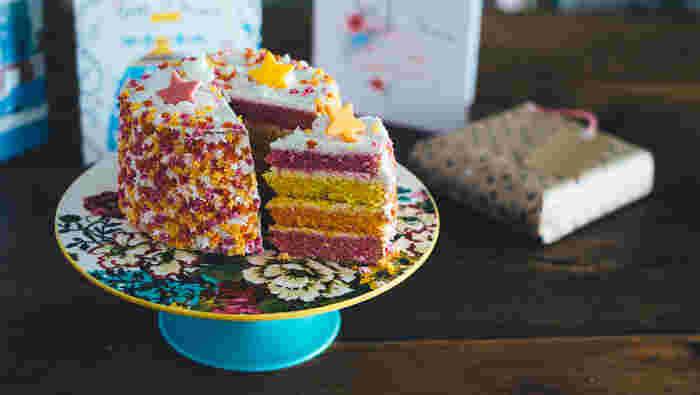 同じお菓子でもラッピングによって印象がガラリ。 受け取る人の笑顔を想像しながらラッピング選びをするのも楽しいものです。 ぜひこれらを参考にして、とびきりのギフトを贈ってみて下さいね♪