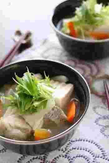 お豆腐とのコラボも、たまには気分を変えて中華仕立てのスープにしてみよう。