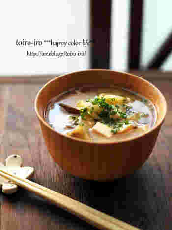 お野菜は炒めると嵩が減って、たっぷり食べられるようになります。油で炒めるのでコクも増します。お豆腐も入ってたんぱく質もしっかり摂れますね。