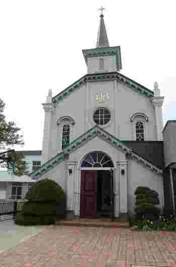 ロマネスク様式が基調のこちらのカトリック教会は明治43年に建設され、弘前では有名な洋風建築です。