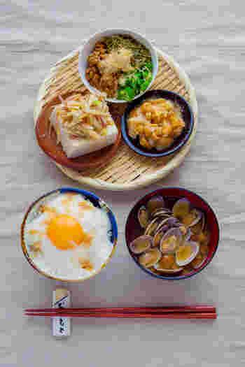 食物繊維やミネラルが豊富で、美容や健康に良いヘルシー食材「めかぶ」。いろんな食材との相性も良いですので、日常の食生活に気軽に取り入れてみるのはいかがでしょうか?