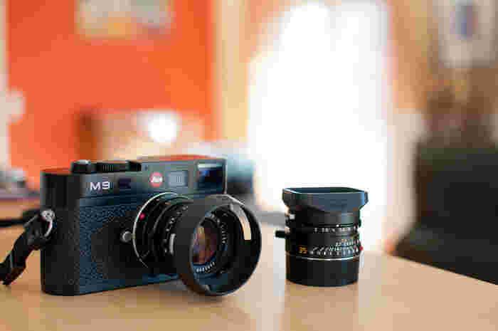 カメラというよりもアート作品に近いと言われているLEICA(ライカ)製品。 中でもレトロ風カメラとして注目されているのがLEICA M9です。
