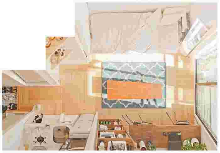 狭いお部屋は、レイアウトを一工夫する必要があります。家具は壁に沿ってまとめて配置し、部屋に抜けを作ると実際よりも広く見せることができますよ◎お部屋のテイストがちぐはぐにならないように、家具や雑貨に統一感を持たせるのもポイント。あとは癒しのグリーンを飾れば、狭くてもおしゃれ&快適なお部屋を叶えることができます。
