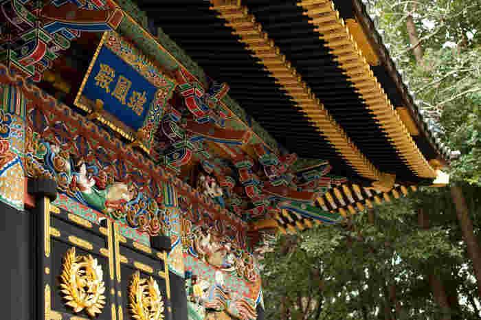 中心部からすぐ近い場所にありながら、たっぷりの緑で囲まれた静けさの中に佇む「瑞鳳殿」。仙台藩祖伊達政宗公の霊がまつられた霊屋(おたまや)なんです。