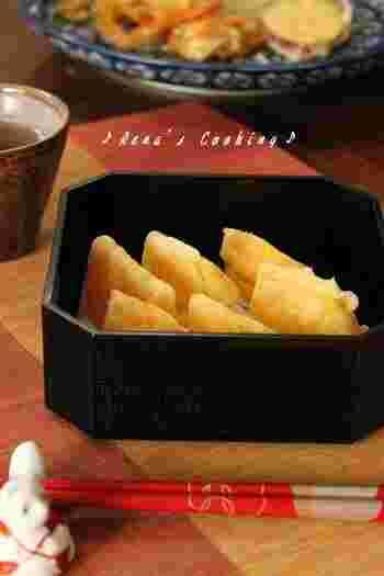 和食メニューのデザートとして出してもよさそうな柿の天ぷら。熱を入れることでより甘さを増した柿の天ぷらはお塩をかけていただくとよりその甘さを感じられます。