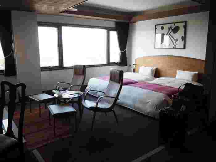 肝心の宿泊スペースは、長楽館に隣接されたホテル棟。全6室で、文化財の趣を味わえるオーベルジュになっています。