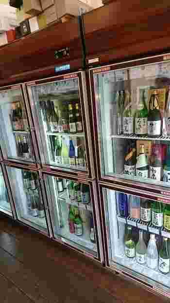 清酒発祥の地として知られる奈良には多くの酒蔵があります。「なら泉勇斎」では、県内29の酒蔵から120種もの日本酒を取り揃えています。有料の試飲サービスでお気に入りの日本酒を探してみませんか?