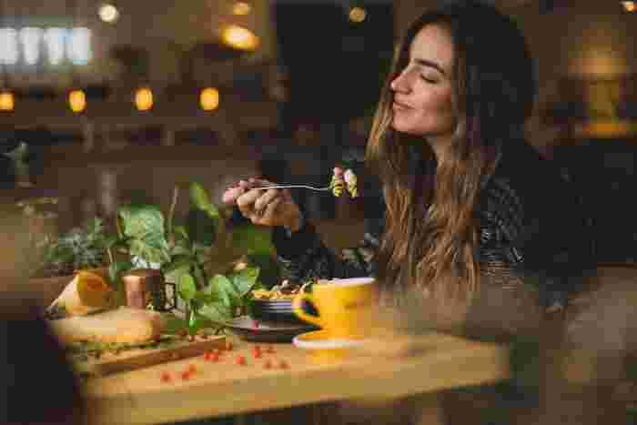 野菜スープや野菜ジュース、これまで話題になった野菜や食材をつかった、ヘルシーでおいしいレシピをご紹介してきました。 野菜ダイエットというと、味気ない、お腹がすくというイメージも多いかもしれませんが、決してそんなことはありません!美味しく楽しく食べて、健康な体作りを目指したいですね。