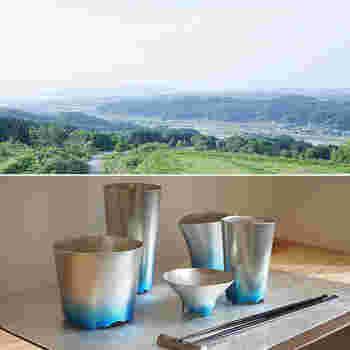 上記で紹介した能作と同じく、伝統工芸「高岡銅器」で知られる富山県の高岡市。その高岡銅器の伝統と鋳造の技術が融合し、時代の変化に合わせたモダンなメタルアイテムを生み出しているメーカー「株式会社ナガエ」。さらに2015年に鶴本晶子氏をブランドマネージャーに迎え、「NAGAE+(ナガエプリュス)」が発足しました。