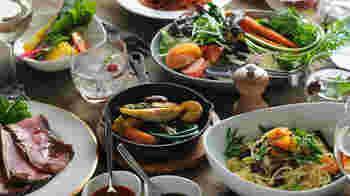パスタの原料となる小麦にはすべて有機小麦を使用。 旬のお野菜や素材を使った月替わりのパスタも楽しめます。