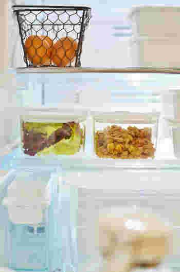 バルブをキュッと押し込むことで密閉できます。そのまま冷蔵できるので、におい漏れ、におい移りがありません。