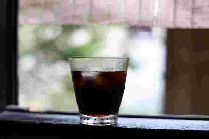 アイスコーヒーもドリップで。美味しいアイスコーヒーの秘訣は深煎り豆・濃度・急冷