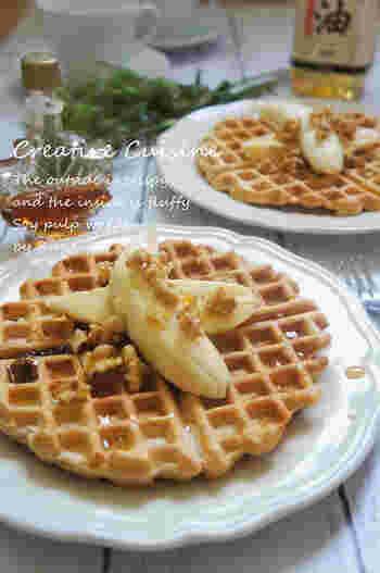 アメリカンスタイルのワッフルに豆乳を入れることにより、外側はサクっ、中がふんわり食感のワッフルになります。