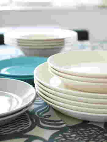 「公園よこのちいさないえから」のkoenyokoさん宅で出番が多いのは『ティーマ』。和・洋に多用できるシンプルな洋皿を揃える方も少なくありません。