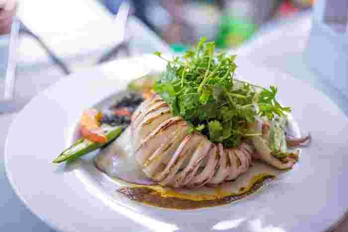 イカのグリルも身がプリップリ。絶妙な焼き具合で美味しい!こちらも白ワインのお供にぴったりです。