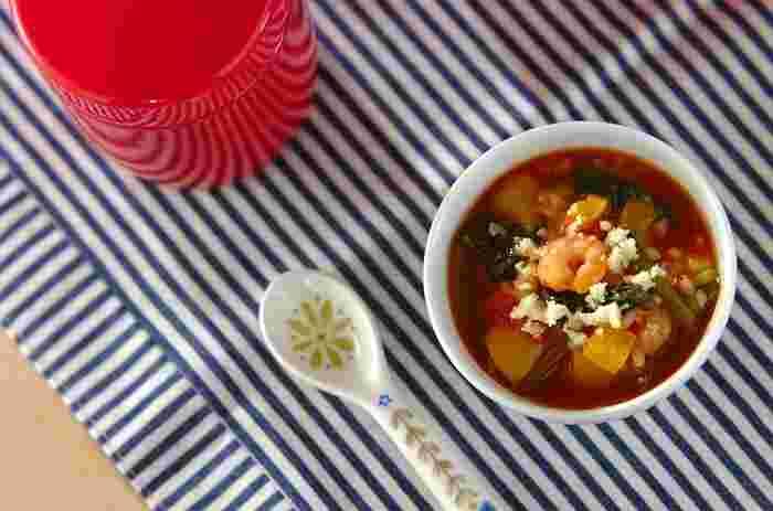 炒めて入れるだけなのに、本格的な味が味わえる!具材はアレンジが効きそうな嬉しいレシピです。