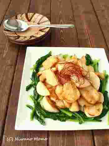 ご飯のおかずにもおすすめの甘酢炒め。しっとり揚げ焼きにした鶏胸肉と一緒に、カブを丸ごとたっぷり食べることができますよ。ぜひ旬のカブで試してみて!