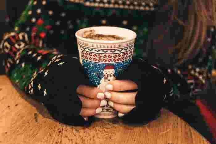 そんな素敵な冬ソングのお供におススメなホットドリンクのレシピも合わせてご紹介していきます!