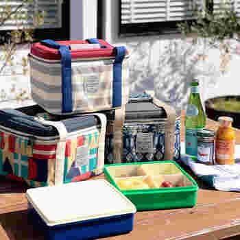 ファミリーサイズのランチボックスを購入するなら、ぜひオススメしたいのが保冷バッグとのセット。保冷材も一緒に入れて、お弁当の傷みを防ぎましょう。