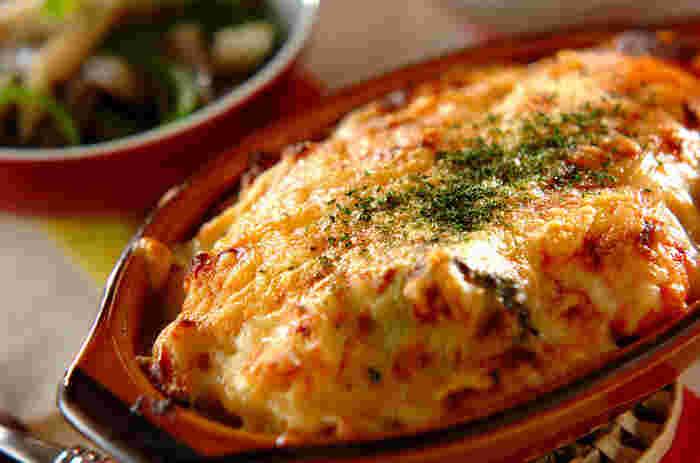 寒い季節にぴったりなメニュー、グラタン。濃厚なホワイトソースのグラタンは、プリプリのエビとの相性が良く、お子様も大好きなメニューですよね!たっぷりチーズをかけてボリューム満点♪