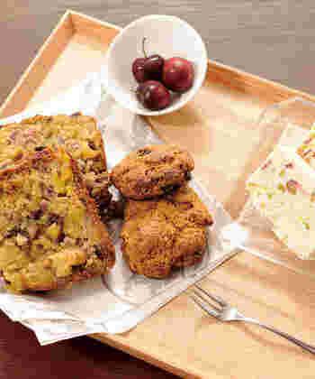 日常生活では、湿気てしまったお菓子や食材をドライヤーにかけて食感を復活させたり、少し余った野菜やキノコを乾物にしてお料理にちょっと追加したり・・・食材を丁寧に使い切るアイテムとして活用している方も。  工夫次第で活用の幅がどんどん広がりますよ。