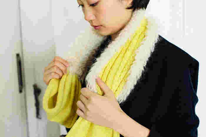 モコモコ感が楽しめるリバーシブルマフラーは、シンプルコーデの程よいアクセントとして大活躍してくれそうなアイテム。編み物初心者さんには少し難しいかもしれませんが、その分愛着のある素敵なマフラーを手に入れることができますね。