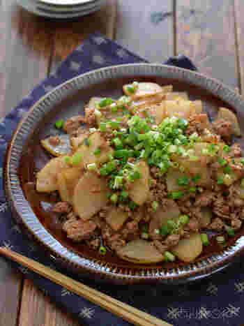 豚ひき肉を使えば、すぐに火が通るので簡単&時短に♪味も染み込みやすく、ご飯との相性もよいので、覚えておくと重宝するレシピです。