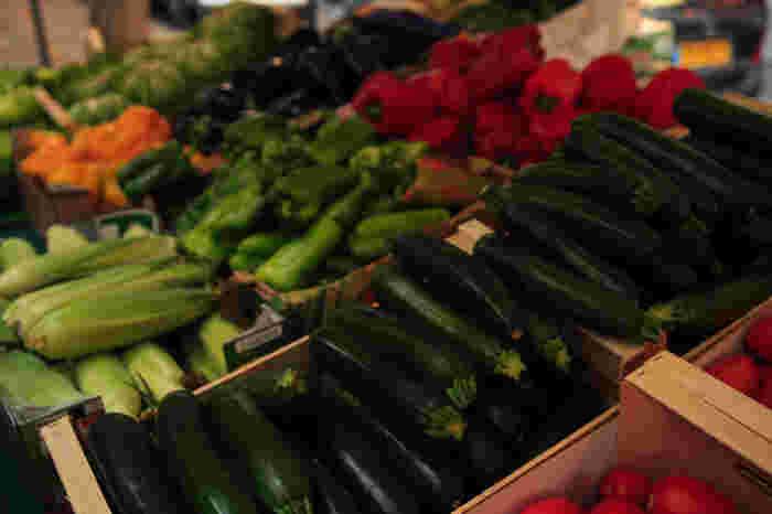 無農薬・減農薬栽培のEM野菜も多数販売。開催情報は鎌倉宮のホームページでチェックしてみてください。