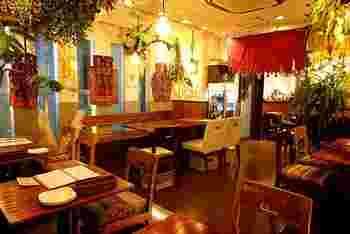 九品仏川緑道の裏通りに佇む「インド食堂 ふたば」は、北インドの5つ星ホテル出身のシェフが手がけるインド料理が人気のお店です。