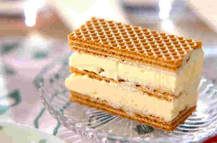 バニラアイスをウエハースでサンドした見た目もおしゃれなウエハースサンド。好きなアイスに変えれば、味は広がります。