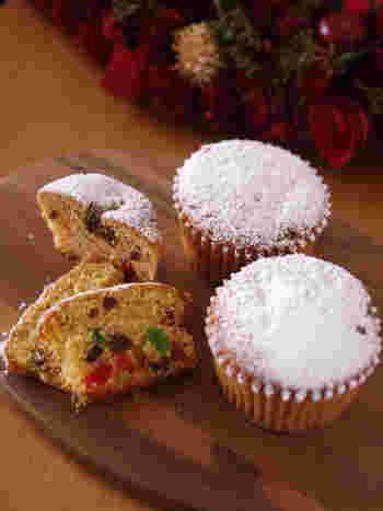 クリスマスに食べるお菓子「シュトーレン」を、ホットケーキミックスで手軽に作ることができます。小分けにできるので、プレゼントしても喜ばれます。