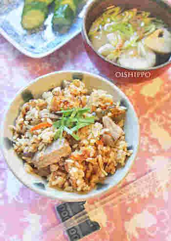 缶詰をそのまま使うので出汁を取る必要もなく簡単に作れる炊き込みご飯。お給料日前や不意の来客にも対応できる旨味が溢れたレシピです。