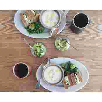 こちらは蕪と新玉ねぎのポタージュスープです。他にも、枝豆と小松菜のポタージュやトマトスープなど、野菜たっぷりのおしゃれなスープがたくさん登場します♪