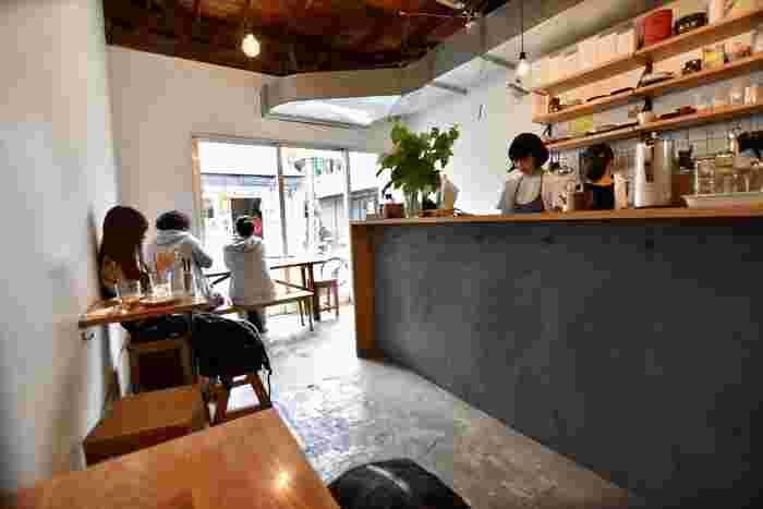 小さなカフェであるMerci Bakeは、自分時間を過ごしたい方にぴったりのカフェスポットで、プライベート感を求める方におすすめなですよ♡