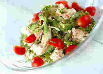 ビタミンCたっぷりのゴーヤは、夏バテ予防にも効果的♪こちらのサラダは豆腐と組み合わせることで食べやすく仕上がります。かつお節とオリーブ油の組み合わせも新鮮で、箸が止まらなくなります!