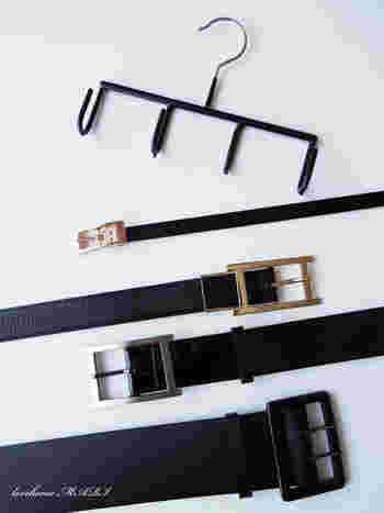 忘れがちなベルトやスカーフの収納も定位置を作っておけば、忙しい朝もあわてずに済みます。