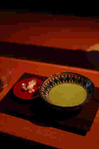 古民家でゆったりとお茶を楽しむ。京都らしい和のくつろぎの時間を過ごすのもまた趣があって旅の良い思い出になりそうですね。