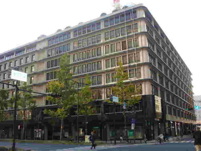 昭和8年、大阪・淀屋橋にガスビルが竣工したのと同時に開業した「ガスビル食堂」。開業当時は、東京の帝国ホテルから来たシェフが最新のガス厨房機器を用いて本格西洋料理を作る、ということで話題となりました。