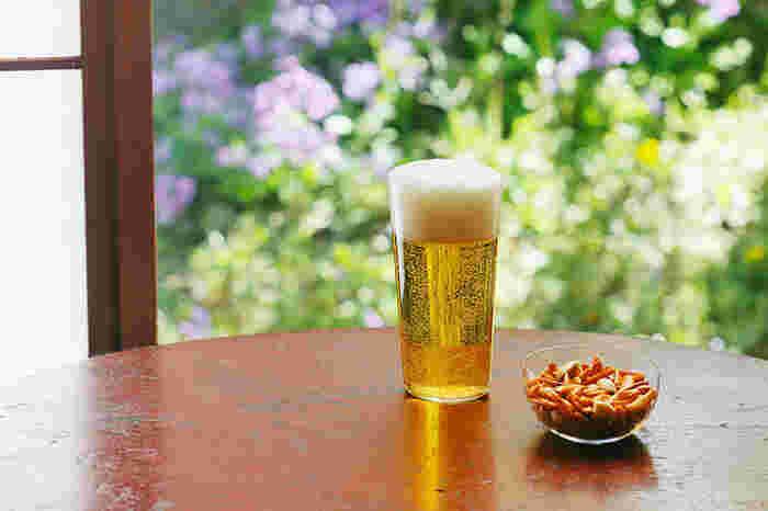 こちら「麦酒晩酌揃」のタンブラーL&柿ピー小鉢のセットも父の日のプレゼントに喜ばれそう。サイズφ70×H135mmのタンブラーは、ビールだけでなくチューハイなどにもぴったり。