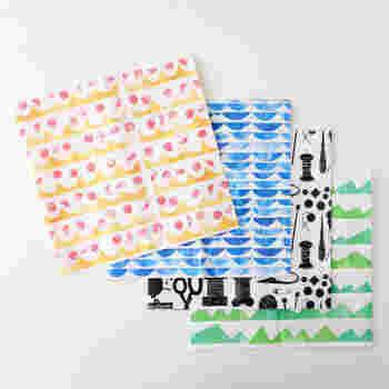 定番生地から季節を感じるデザイナーズ生地まで揃う通販サイト「nunocoto fabric」。色やモチーフ、柄のテーマなどで生地を探せます。ハギレのセット販売、無料型紙や作り方講座も充実しているのでぜひ活用してみてくださいね。